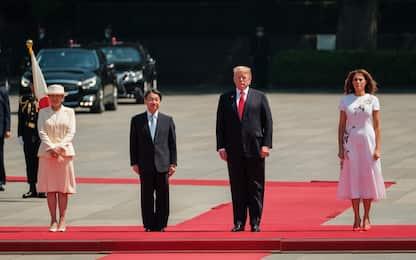 Giappone, Donald Trump incontra imperatore e premier. FOTO
