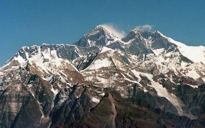 Everest, cresce l'erba attorno alla montagna più alta del mondo