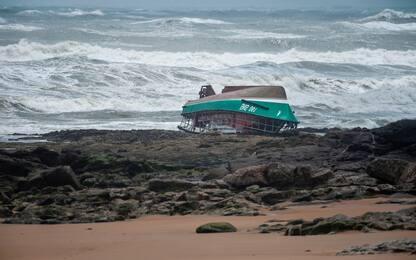 Francia, tempesta Miguel si abbatte sul Paese: 3 morti. FOTO