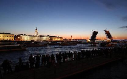 San Pietroburgo, lo spettacolo delle notti bianche. FOTO