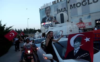 Turchia, Istanbul festeggia l'elezione di Imamoglu. FOTO