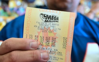 Vince lotteria e divorzia, il giudice: dividerà soldi con l'ex moglie