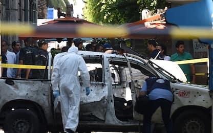 Tunisi, esplosioni in centro e in sede antiterrorismo. FOTO