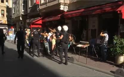 Gay Pride a Istanbul, lacrimogeni contro i manifestanti. VIDEO
