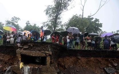India, violente piogge monsoniche a Mumbai: decine i morti