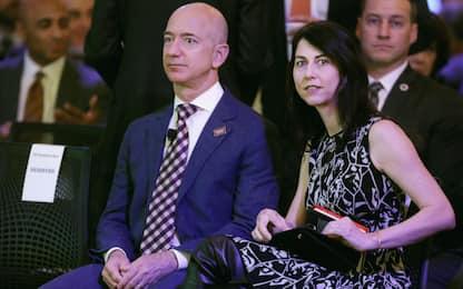 Jeff Bezos, ex moglie dona 1,7 miliardi di dollari in beneficenza