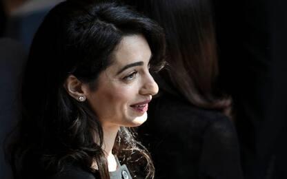 Filippine, Amal Clooney difenderà la giornalista Maria Ressa