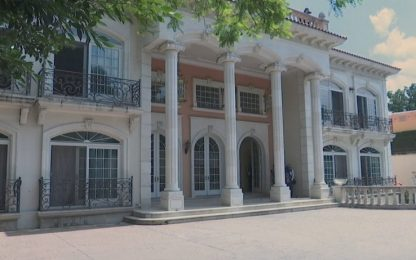 Messico, all'asta la lussuosa villa di un trafficante di droga. VIDEO