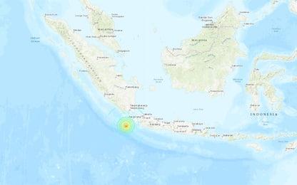Terremoto in Indonesia, forte scossa vicino all'isola di Giava