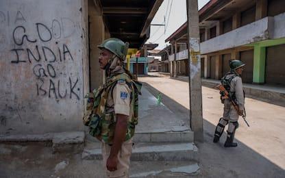 L'India revoca lo status speciale del Kashmir