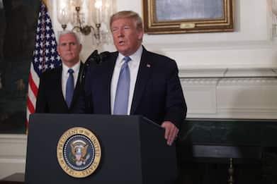 "Stragi Usa, Trump: ""Non sparano le armi ma la follia"""