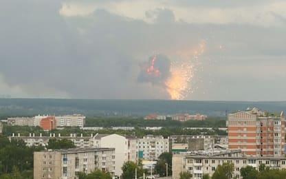 Siberia, esplosione in un deposito d'armi: un morto. VIDEO