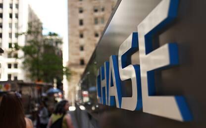 Canada, banca chiude gli sportelli e cancella i debiti dei clienti