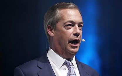 """Nigel Farage attacca Carlo e Harry: """"Spero la regina viva a lungo"""""""