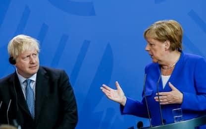 """Boris Johnson sbaglia il nome di Merkel: Angela diventa """"Angayla"""""""