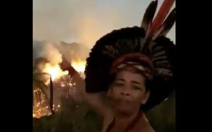 Brasile, brucia una riserva. L'appello di una donna indigena. VIDEO