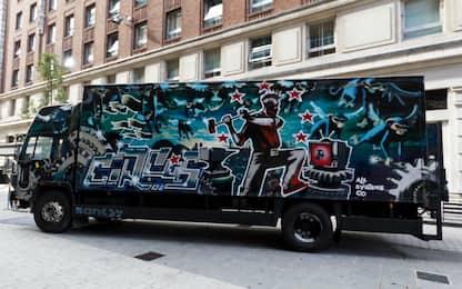 """Un camion """"firmato"""" Banksy all'asta il 14 settembre nel Regno Unito"""