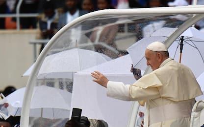 Papa Francesco in Mozambico visita centro lotta Aids. FOTO
