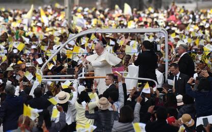 Papa in Madagascar: Non usare Dio per giustificare violenza