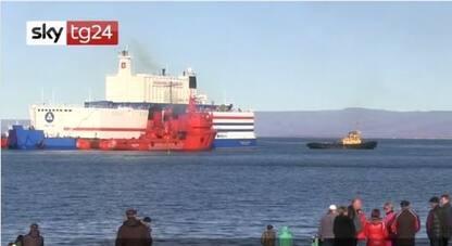 Russia, la centrale nucleare galleggiante arrivata a Pevek. VIDEO