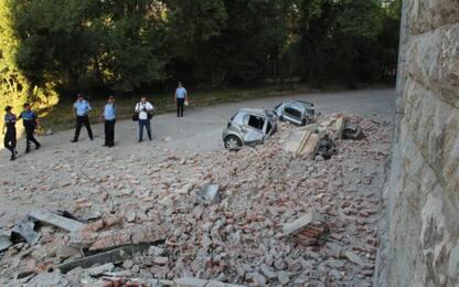 Terremoto Albania, altra scossa nella notte. Crolli e oltre 100 feriti
