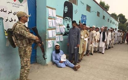 Afghanistan, attentati a seggi elezioni presidenziali: 5 morti