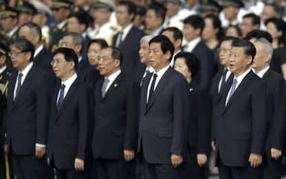 Cina, la cerimonia dei Martiri in piazza Tiananmen. FOTO