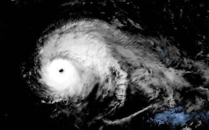 Arriva l'uragano Lorenzo, allerta alle Azzorre e in Europa