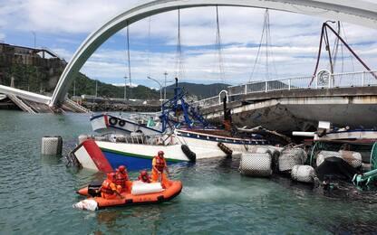 Taiwan, crolla un ponte: 5 dispersi e 10 feriti