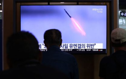 "Corea del Nord, Seoul e Tokyo: ""ha testato missili sottomarini"""