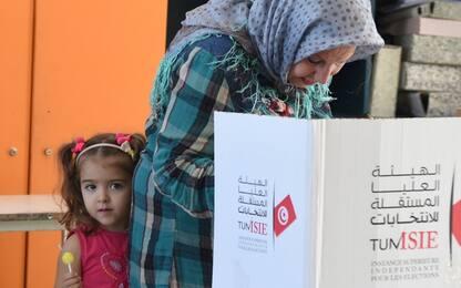 Elezioni Tunisia, in testa il partito islamico ma non ha maggioranza