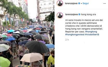 Hong Kong, Jovanotti reporter per caso tra i manifestanti. VIDEO