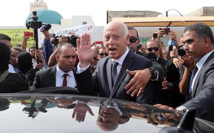 Tunisia, exit poll: il conservatore Saied è il nuovo presidente