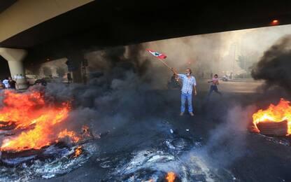 Libano, forti proteste contro il governo a Beirut. FOTO