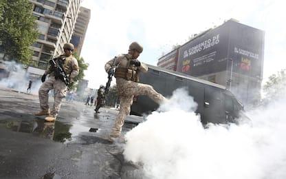 Cile, proteste a Santiago per aumento prezzi metro. FOTO