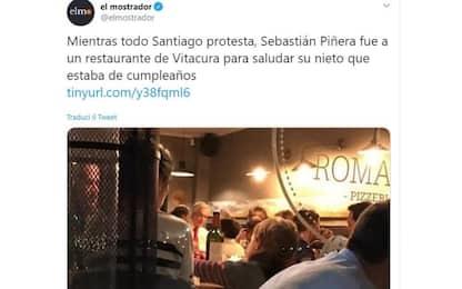 Cile, il presidente Piñera al ristorante durante le proteste. FOTO