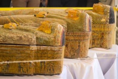 Egitto, trovati trenta sarcofagi in una stanza segreta di Luxor