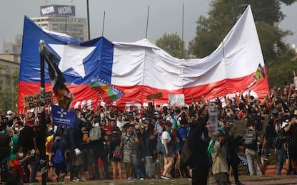 Ancora proteste in Cile: migliaia in marcia a Santiago. FOTO