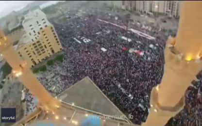 Libano, le riprese aeree delle proteste di Beirut. VIDEO