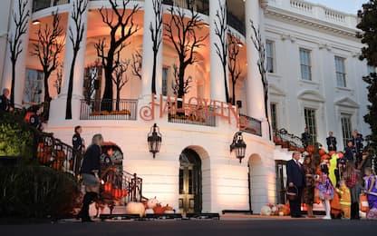 Halloween, Trump e Melania festeggiano alla Casa Bianca
