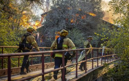 Incendi California, diramato l'allarme rosso estremo. VIDEO - FOTO