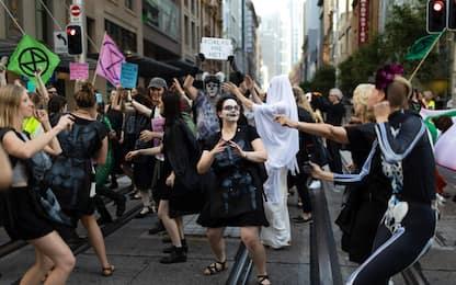 Australia, Extinction Rebellion a tema per Halloween. FOTO