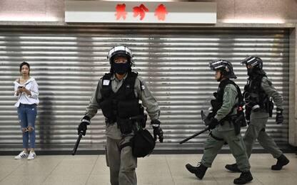 Hong Kong, 4 accoltellati in lite per motivi politici: un arresto
