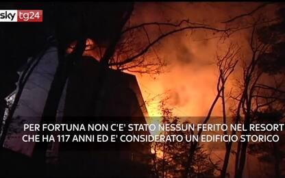 Pennsylvania, a fuoco uno dei resort più antichi degli Usa. VIDEO