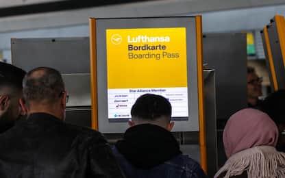 Lufthansa cancella 1300 voli in vista dello sciopero del 7-8 novembre
