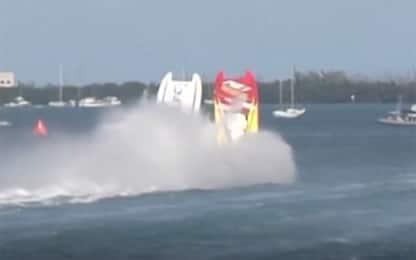 Florida, schianto tra due barche durante gara offshore. VIDEO