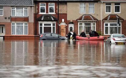 Maltempo in Inghilterra, pioggia e allagamenti. FOTO