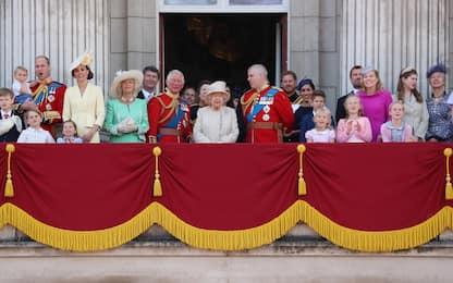 La Royal Family britannica al completo dagli anni '30 a oggi