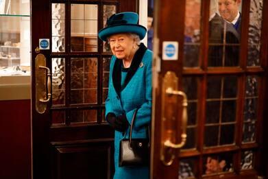 Buckingham Palace cerca un esperto per gestire i social della Regina
