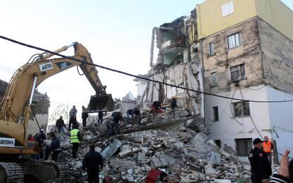 Terremoto in Albania, vittime e crolli. FOTO